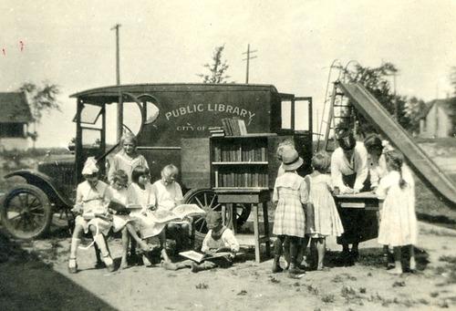 Κινητές βιβλιοθήκες bookmobile2